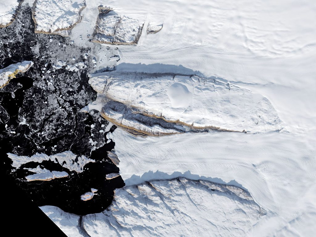 Greenland's Tracy and Heilprin glaciers melt. (2017)