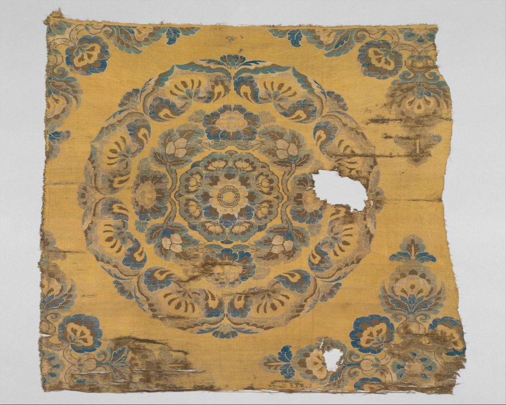 6.6.5 Textile with Floral Medallion