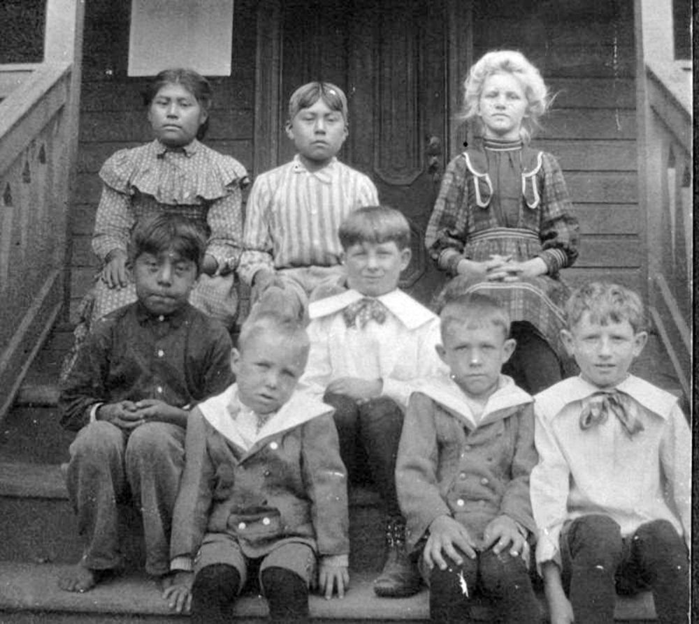 1.4.7 Eshom Valley, Tulare County, Calif., Class Photo, 1905